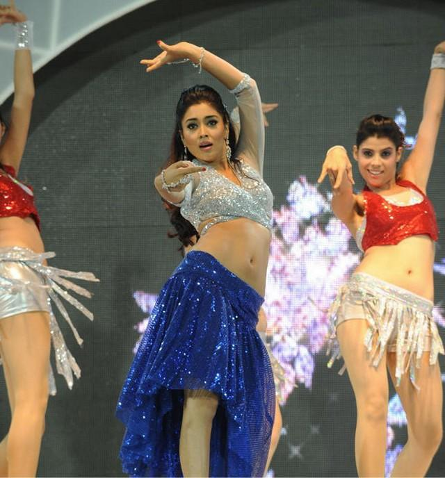 Shriya Saran Hot Sexy Still