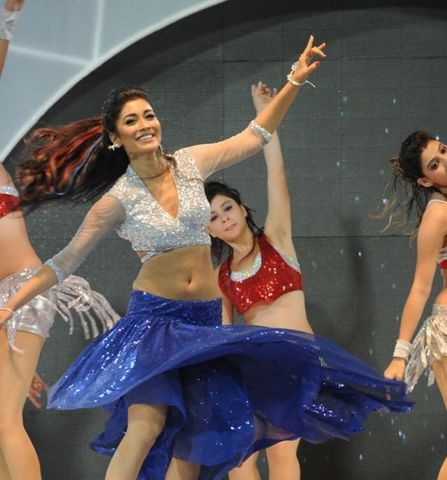 Shriya Saran Performance Sexy at CCL