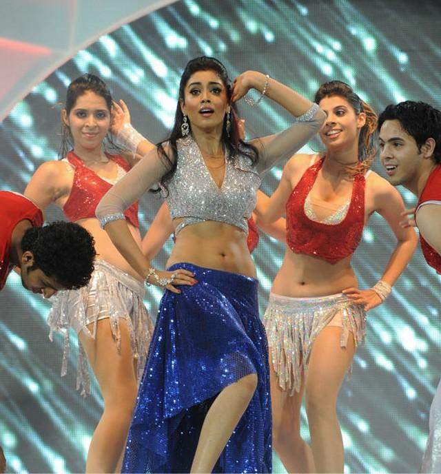 Shriya Saran Sexy Pose at CCL