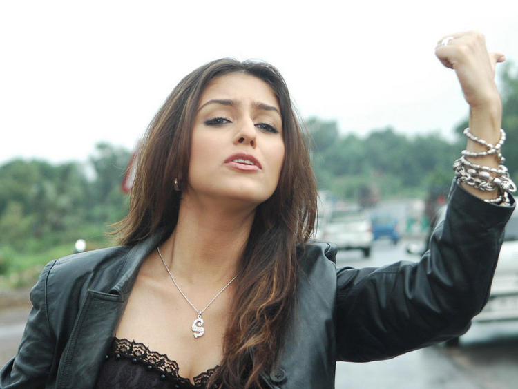 Aarti Chhabria Glorious Face Look Still