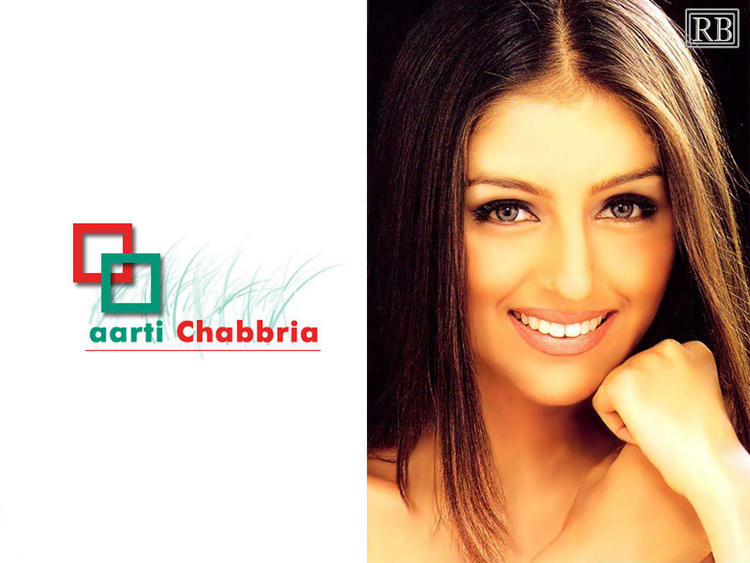 Dazzling Beauty Aarti Chhabria Wallpaper