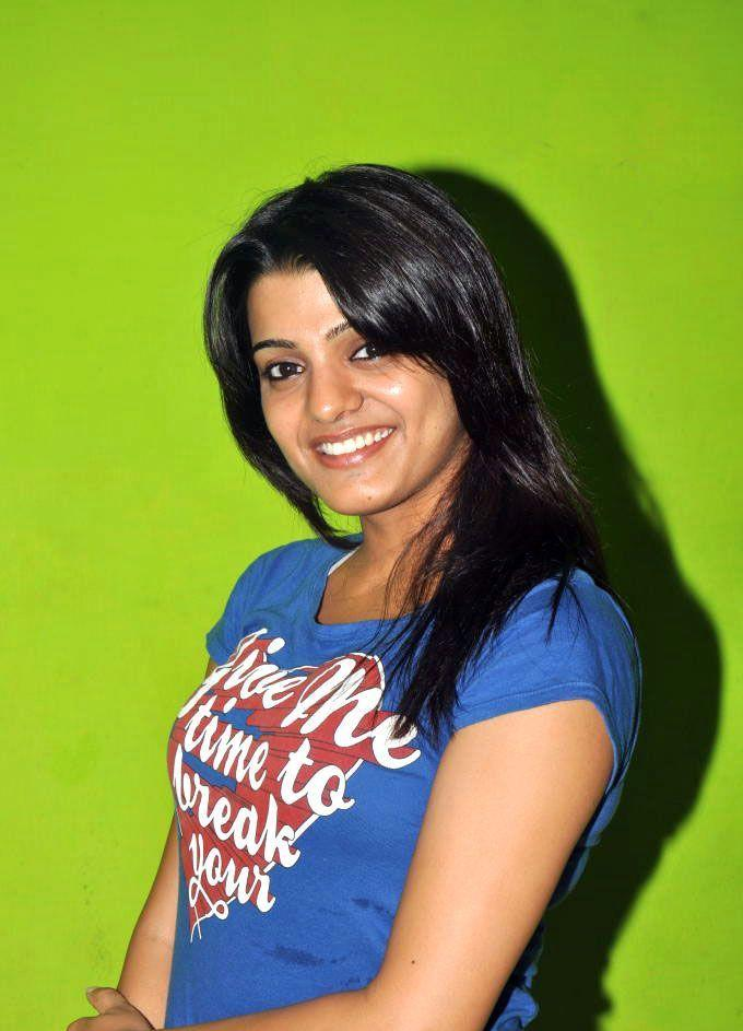 Tashu Kaushik Gorgeous Smile Pic