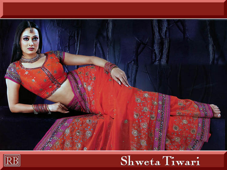 Shweta Tiwari Red Saree Sexy Wallpaper, Actress And Anchor ...