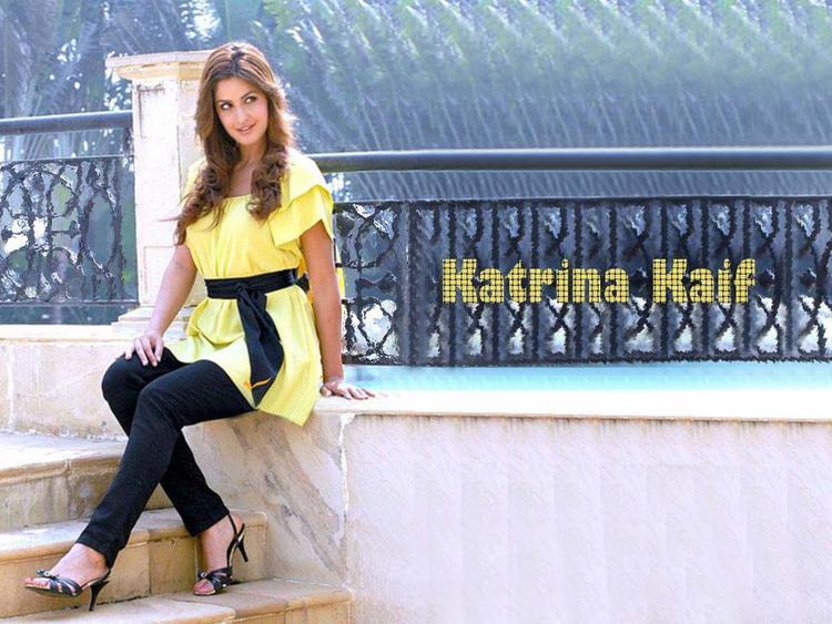 Katrina Kaif Nice And Cool Wallpaper