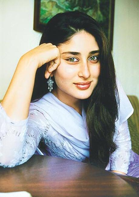 Kareena Kapoor Dazzling Face Look Wallpaper