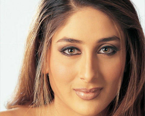 Kareena Kapoor Hot Eyes Wallpaper