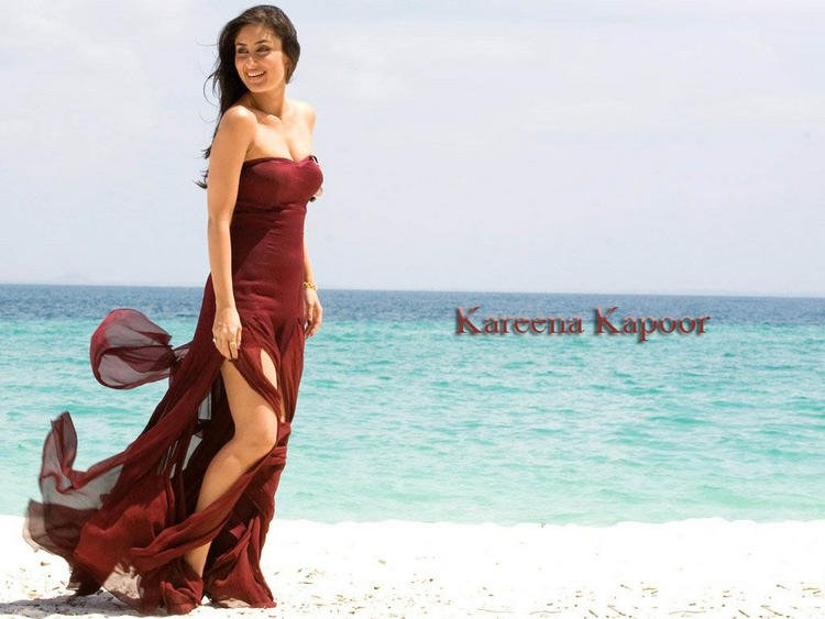 Kareena Kapoor Strapless Red Dress Wallpaper