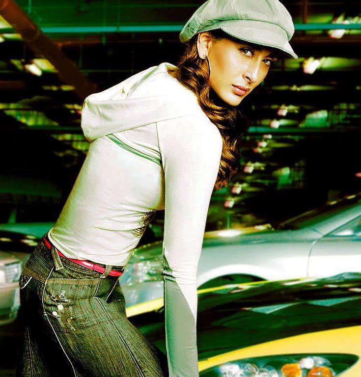 Sexy Kareena Kapoor Stylist Wallpaper