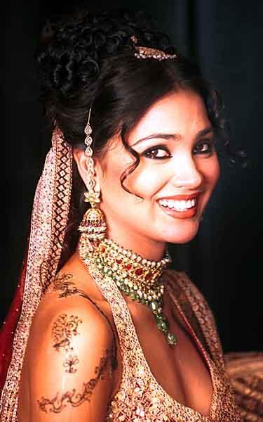 Lara Dutta Beautiful Look Wallpaper