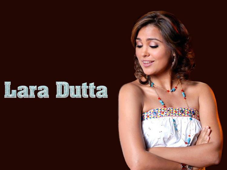 Lara Dutta Sizzling Face Look Wallpaper