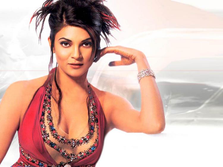 Hot Bollywood Diva Sushmita Sen Wallpaper