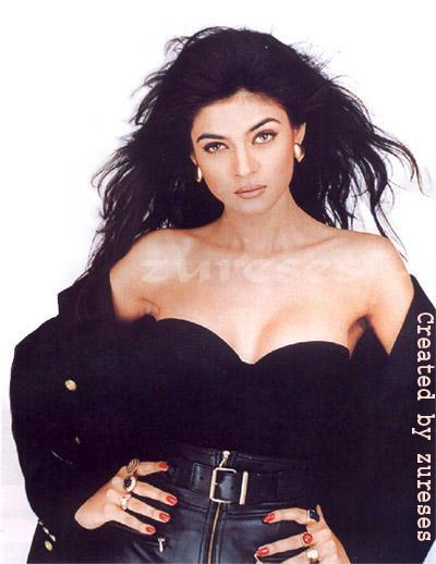Sushmita Sen Open Boob Show Bold Wallpaper