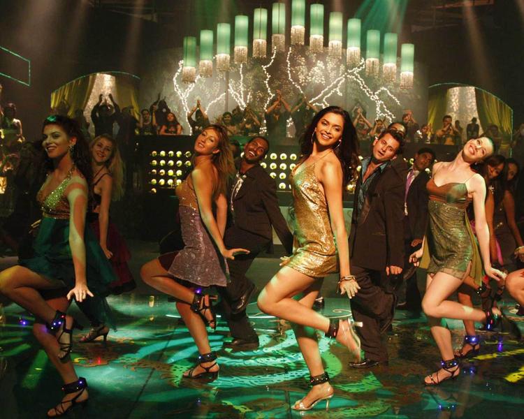 Deepika Padukone Dancing Still In Chandni Chowk to China