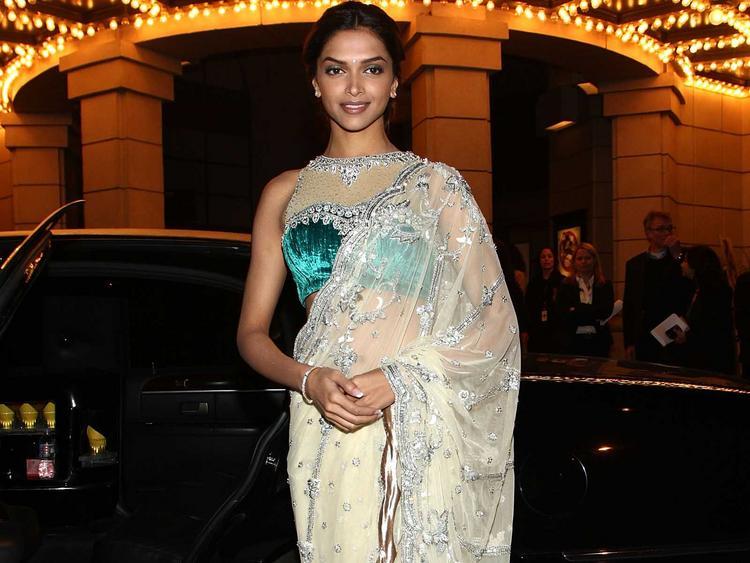 Deepika Padukone Glamour Still In Transparent Saree