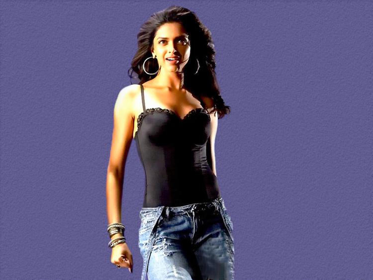 Deepika Padukone Hot Gorgeous Pic