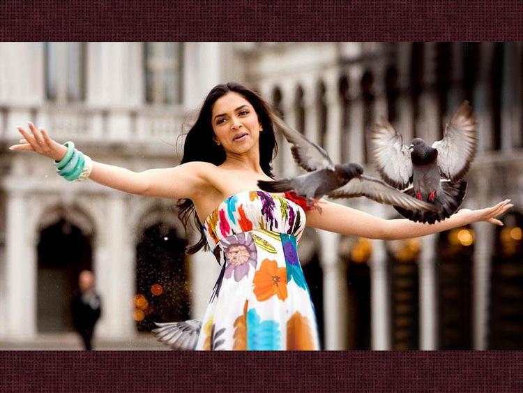 Deepika Padukone Romantic Song Still