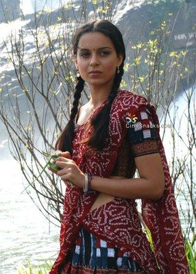 Kangana Ranaut Cute Hair Style Pic In Half Saree