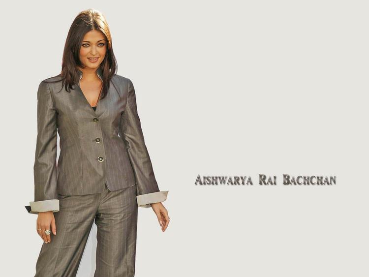 Aishwarya Rai Hot Stunning Wallpaper