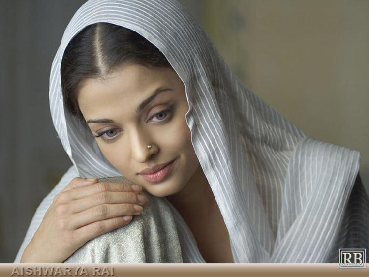 Aishwarya Rai Nice and Cool Still