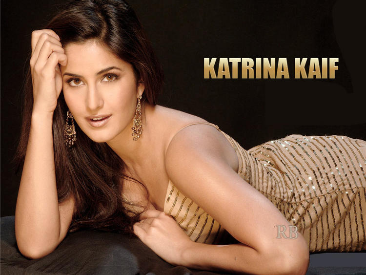 Katrina Kaif Hot Sizzling Look Wallpaper