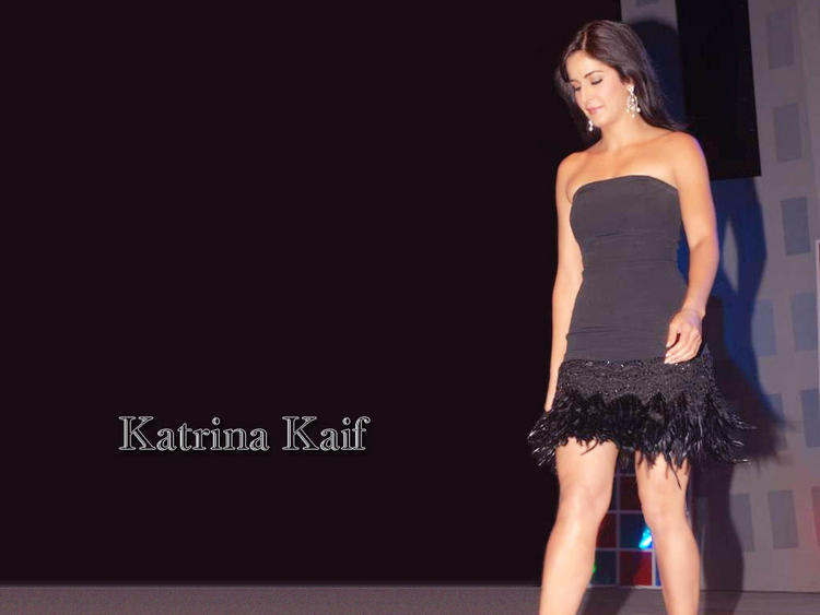 Katrina Kaif Stapless Dress Wallpaper