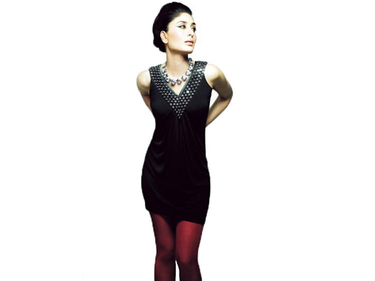Kareena Kapoor Short Dress Wallpaper