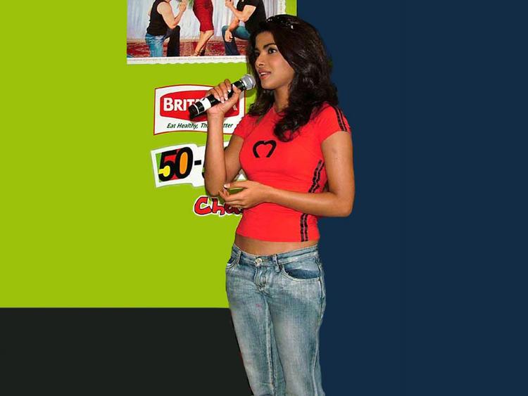 Priyanka Chopra Simple Pics