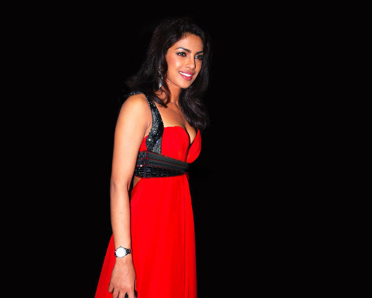 Priyanka Chopra Smiling Pics