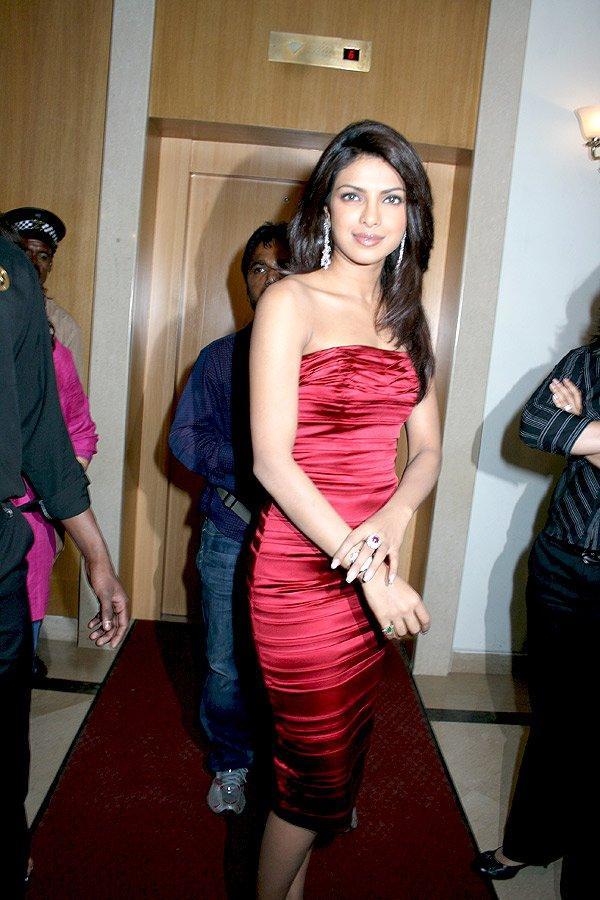 Priyanka Chopra Strapless Red Dress Pics