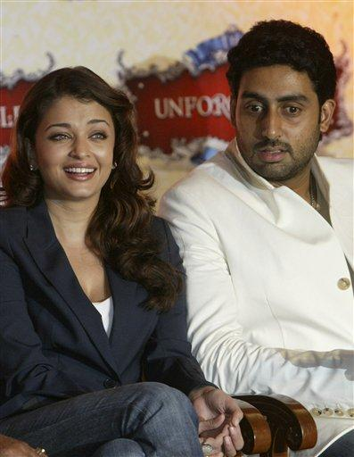 Aishwarya rai and Abhishek Bachchan Nice Look Still