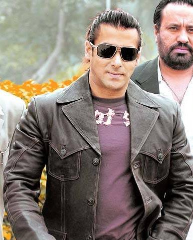 Stylist Salman Khan Wearing Sunglass Image