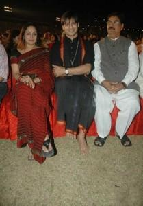 Vivek Oberoi With Hema