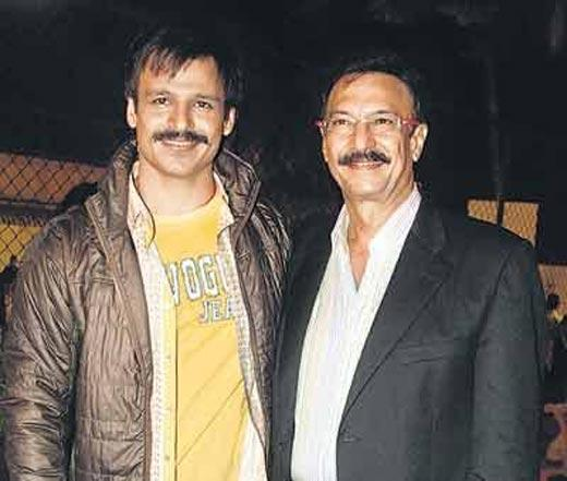 Vivek Oberoi Poses With Dad