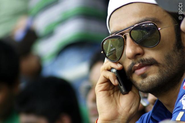 Ranveer Singh Spotted at Mumbai Indians VS Chennai