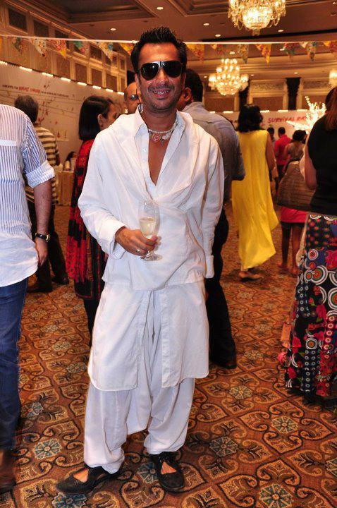 Celebs at Elle Breast Cancer Carnival