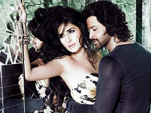 Hrithik and Katrina Romance Still