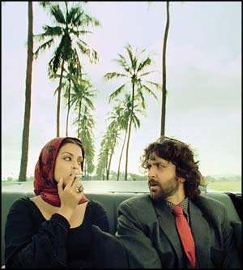 Hrithik Roshan and Aish A Still From Guzaarish
