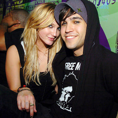 Ashlee Simpson And Pete Wentz Photo