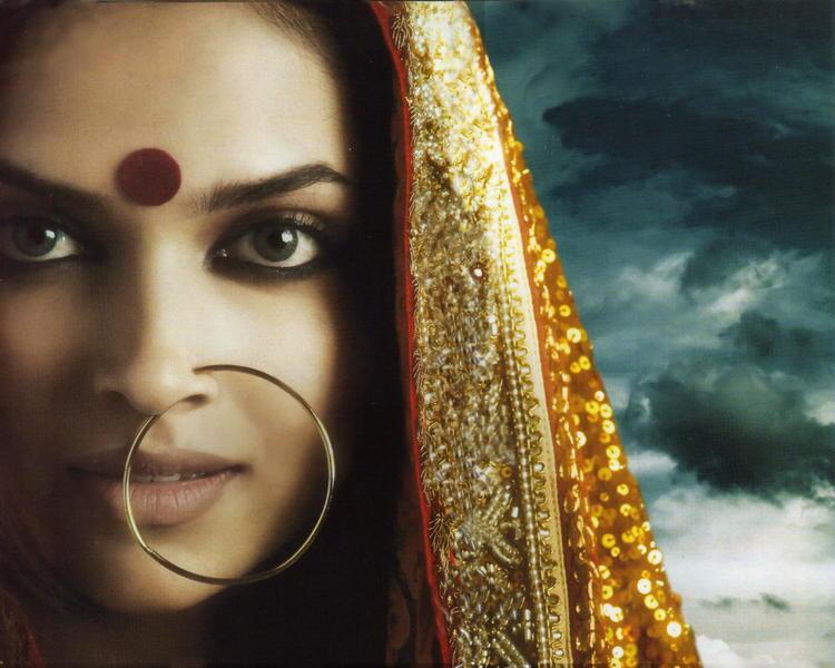 Deepika Padukone Beautiful Eyes Look Still