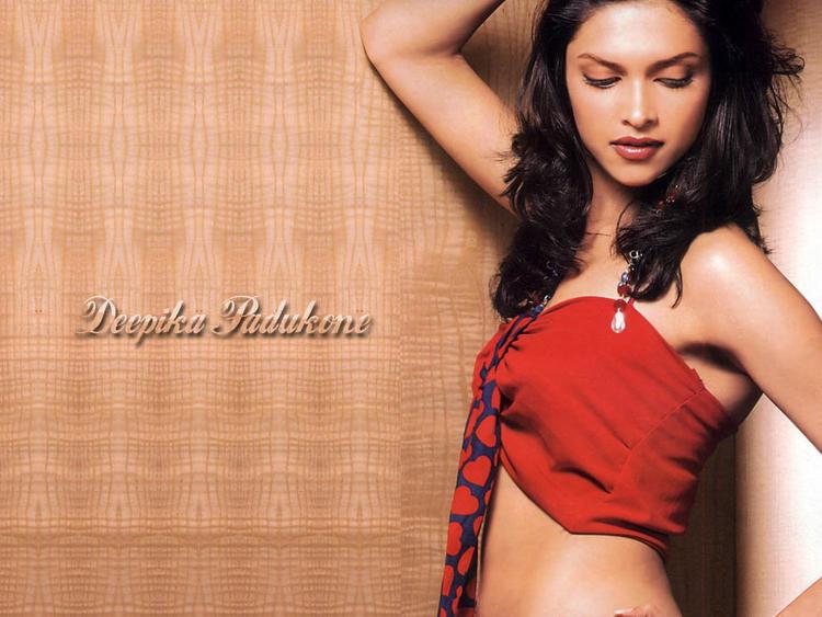 Deepika Padukone Glowing Hot Face Look Still