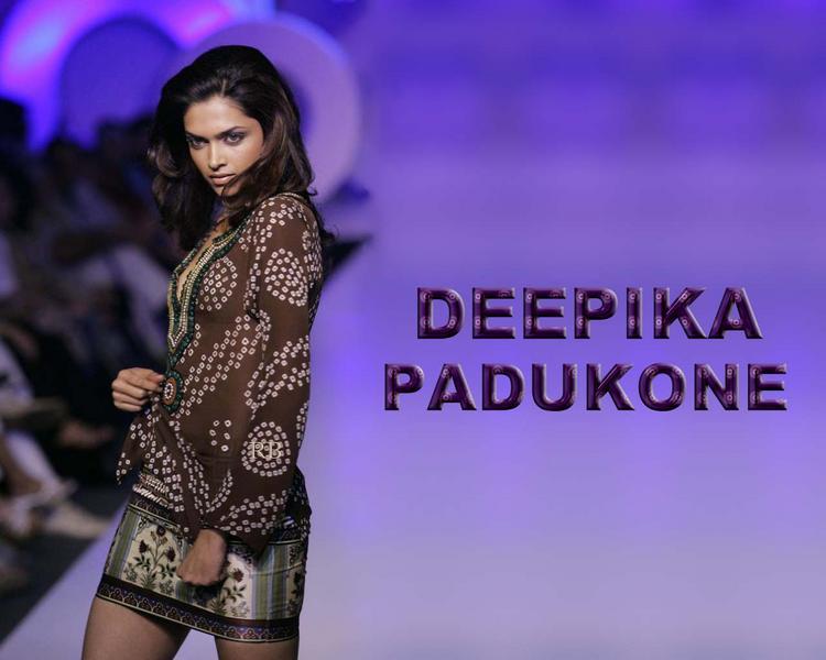 Deepika Padukone Hot Look Wallpaper