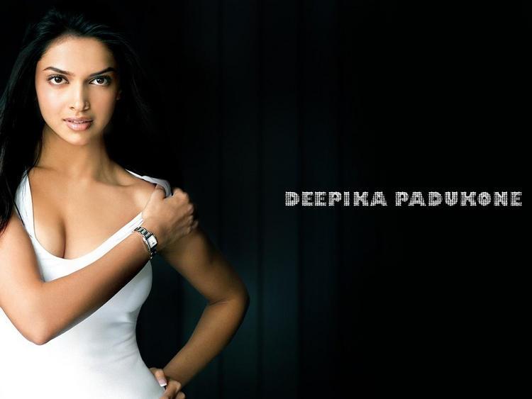 Deepika Padukone Hot Spicy Wallpaper