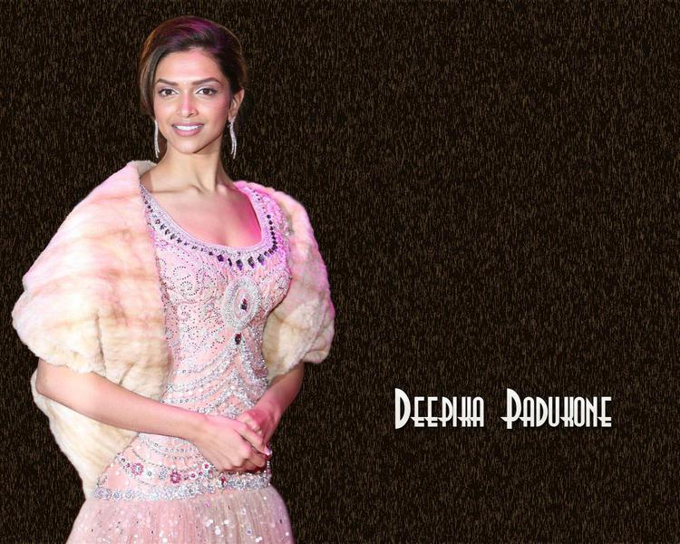 Deepika Padukone Looking Beautiful in This Dress