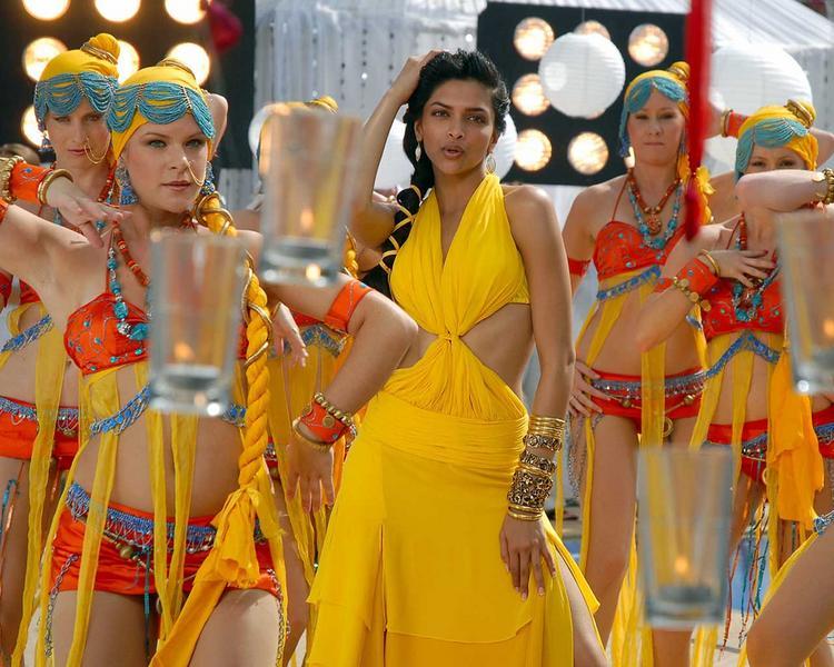 Deepika Padukone Sexy Dance Still In Yellow Dress