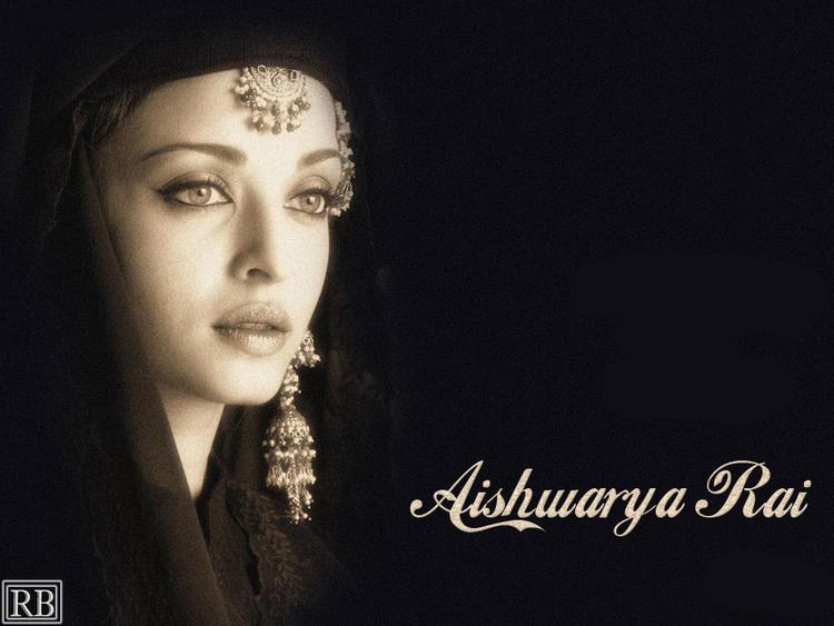 Aishwarya Rai Amazing Look Wallpaper