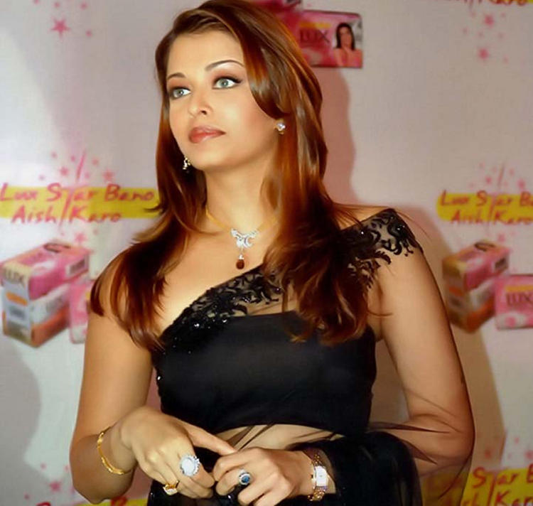 Aishwarya Rai Looking Very Gorgeous