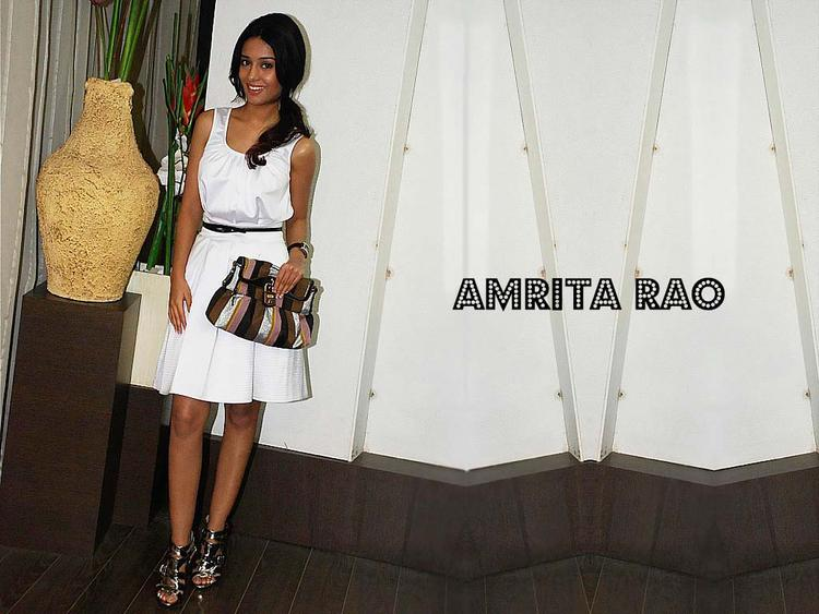 Amrita Rao Simple Look Wallpaper