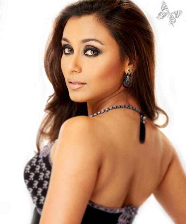 Rani Mukherjee Sexy Back Exposing Still