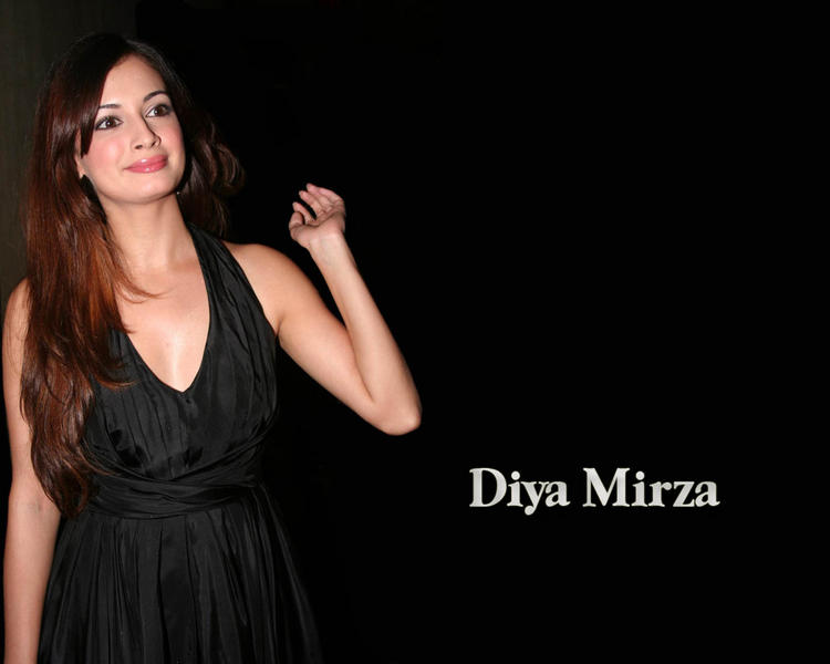 Gorgeous Babe Diya Mirza Wallpaper