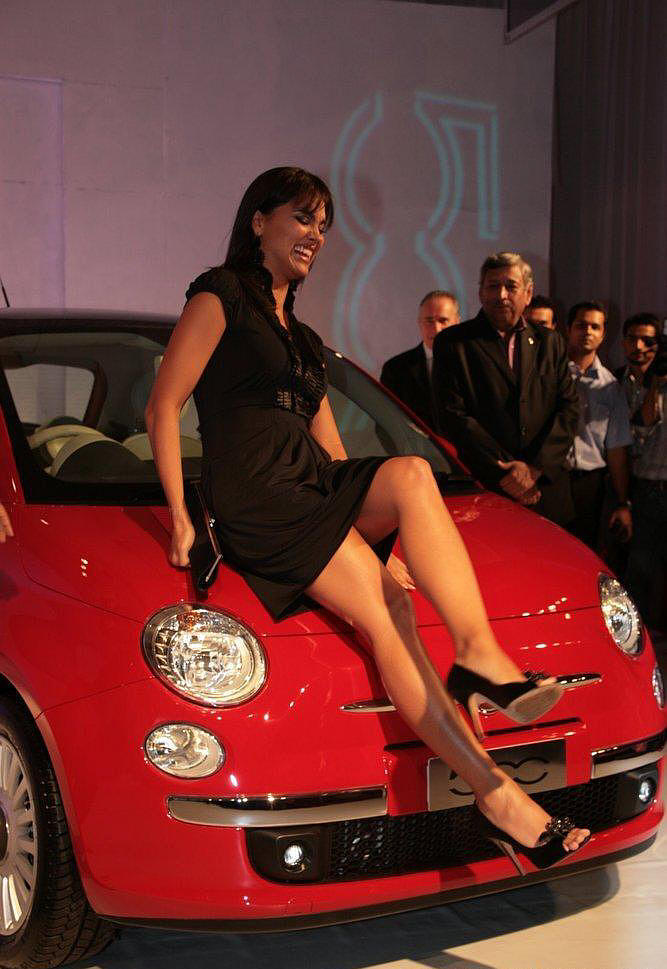Lara Dutta Poses With The New Luxury Car Fiat 500